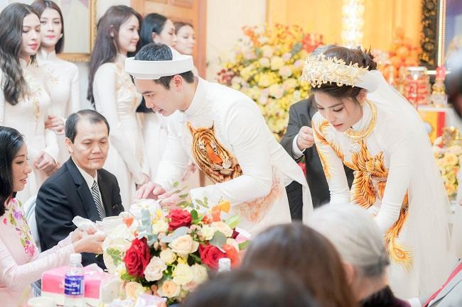 Những mỹ nhân Việt đeo vàng nặng trĩu, cưới đại gia thân thế khủng cỡ nào?-10