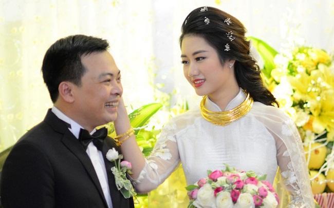 Những mỹ nhân Việt đeo vàng nặng trĩu, cưới đại gia thân thế khủng cỡ nào?-26