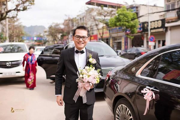 NSND Trung Hiếu rạng rỡ, hôn vợ đắm đuối trong lễ cưới tại Sơn La-1
