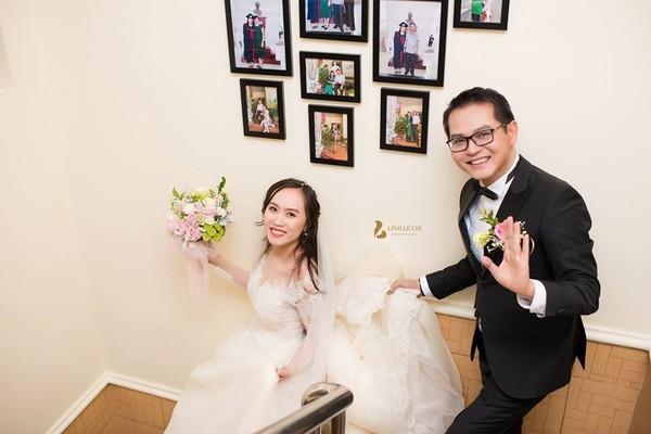 NSND Trung Hiếu rạng rỡ, hôn vợ đắm đuối trong lễ cưới tại Sơn La-7