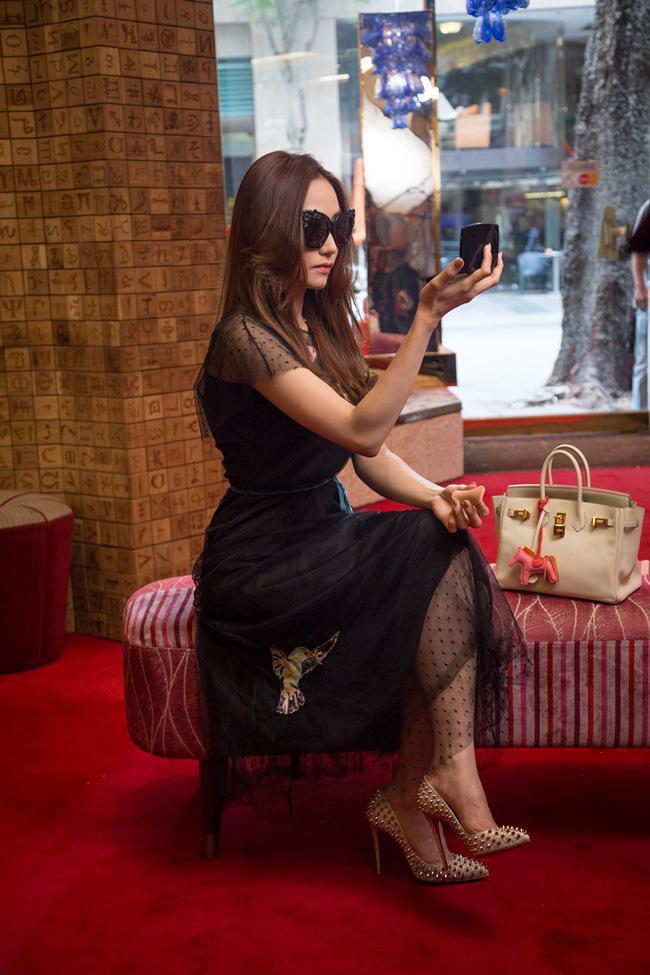 Mỹ Tâm - Lan Ngọc - Ngân Khánh: Chị đẹp nào có gu ăn mặc sành điệu nhất màn ảnh Việt?-12