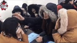 Góc thân ai nấy lo: Lớp trưởng thất tình, cả nhóm nữ sinh xúm vào hát an ủi nhưng khiến 'nạn nhân' càng sầu hơn
