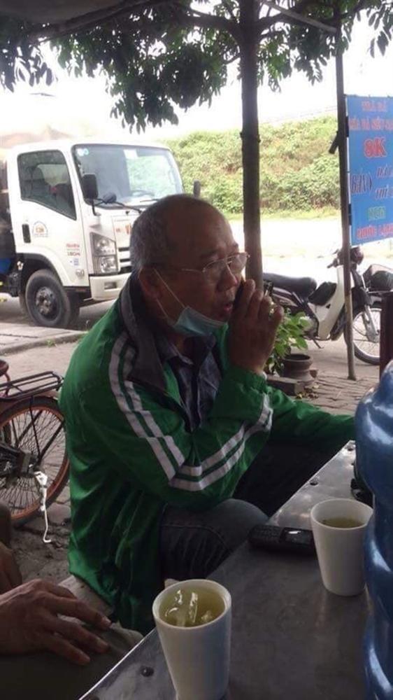 Chết cười với ảnh phiên bản đời thường của ĐT Việt Nam: Văn Toàn làm thợ xây, thầy Park an nhiên uống trà đá-7