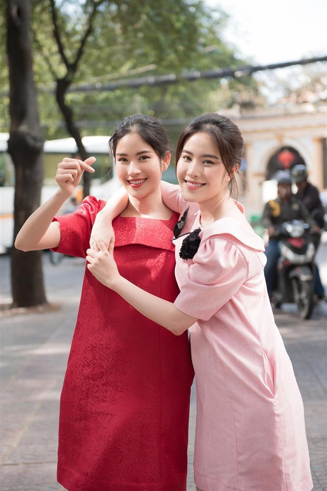 Vượt qua lời chúc phúc kém duyên của Hòa Minzy, cô gái đồng trinh Nam Em bỗng trở thành chuyện hot nhất tuần-2