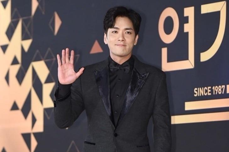 Tiên nữ cử tạ Lee Sung Kyung tăng 10kg vẫn được khen đáng yêu-2