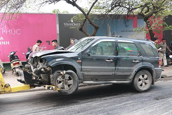 Ô tô đâm 5 xe trên phố Ngọc Khánh, cụ bà bán hàng rong đi bộ tử vong-4