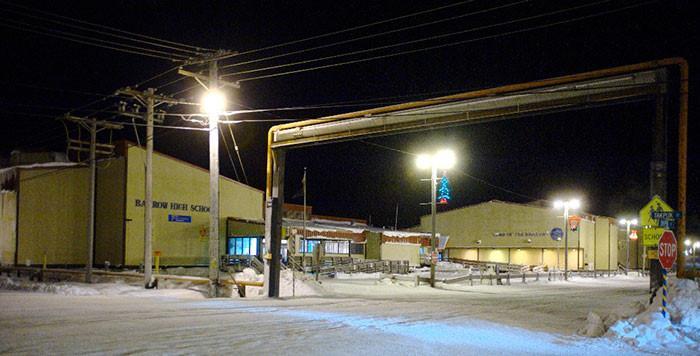 Thị trấn ở Alaska mỗi năm có 65 ngày sống trong bóng tối-7