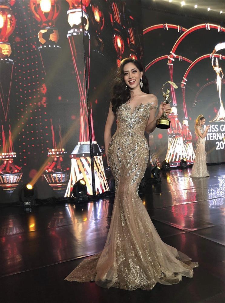 Ở Việt Nam chỉ có HHen Niê và Trần Tiểu Vy đủ đẹp để lọt vào top 50 Hoa hậu của các hoa hậu 2018-4