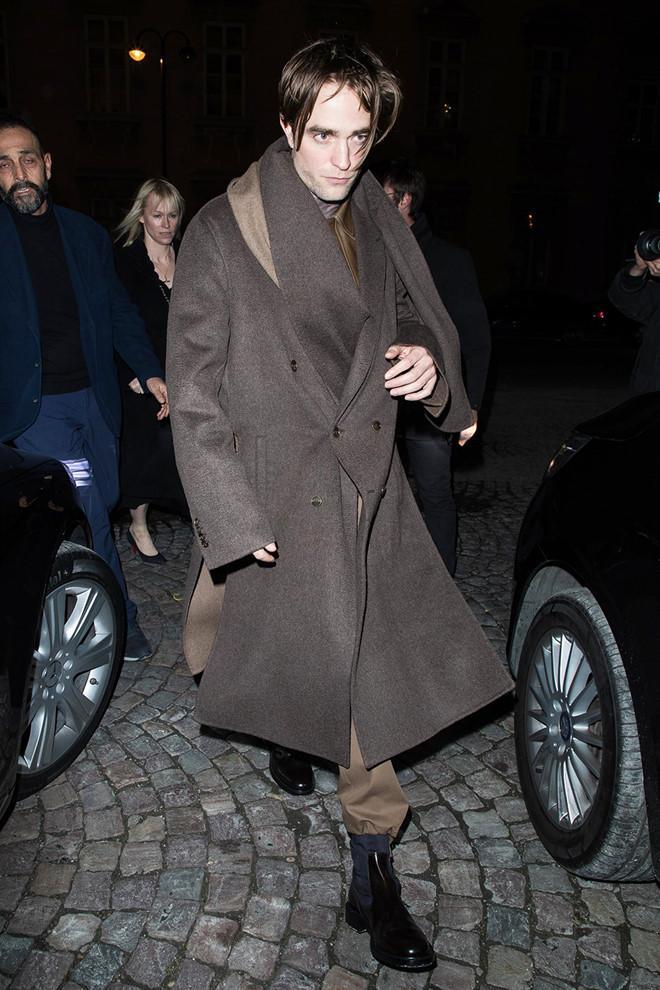 Robert Pattinson xuất hiện với gương mặt hốc hác, phờ phạc khó hiểu-1
