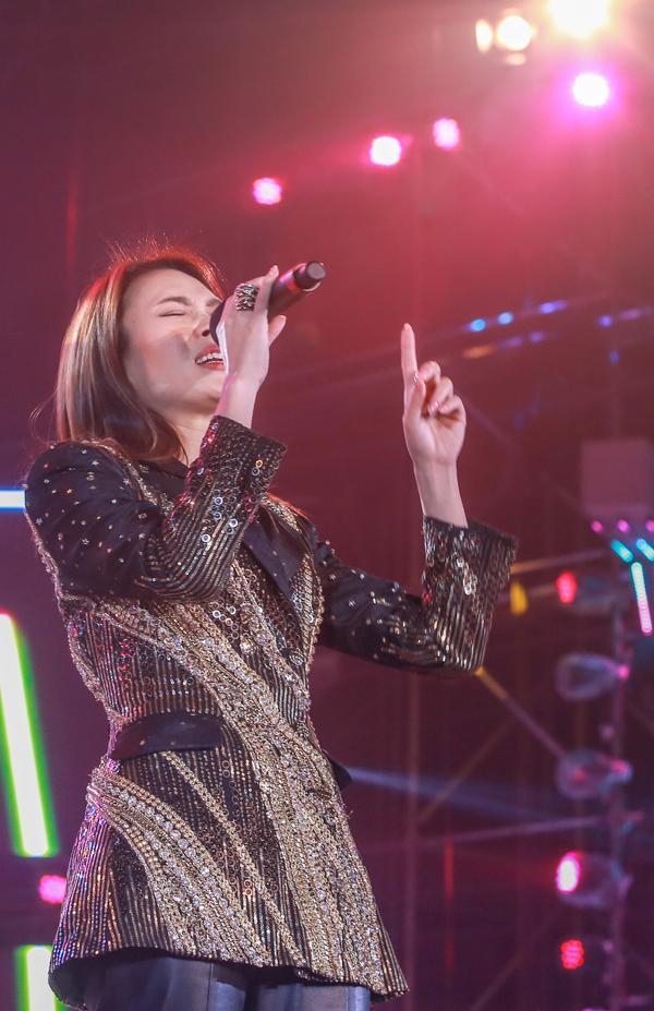 Mỹ Tâm hát hit trong phim mới tặng 48 ngàn khán giả Hà Nội-4