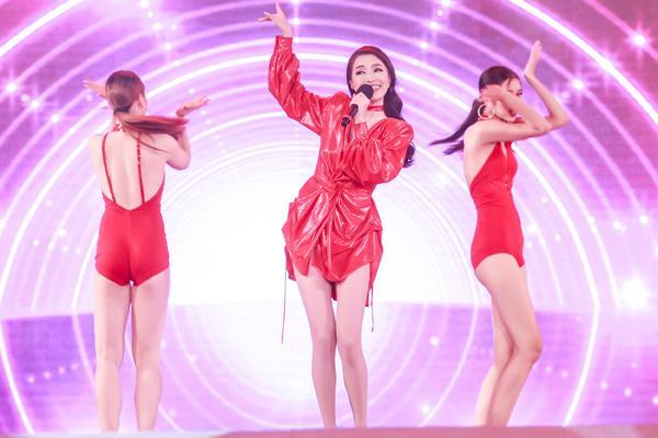 Mỹ Tâm hát hit trong phim mới tặng 48 ngàn khán giả Hà Nội-15