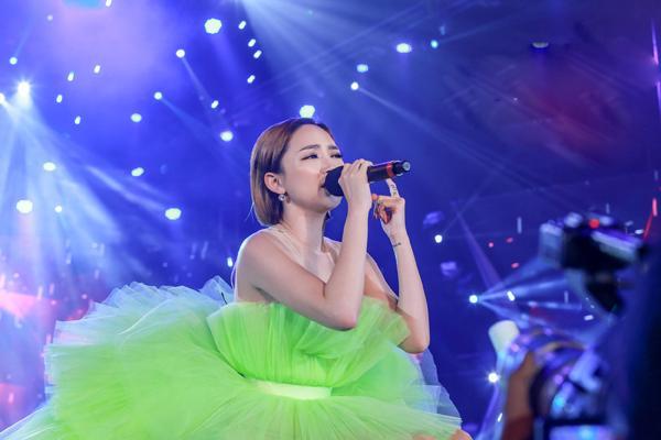 Mỹ Tâm hát hit trong phim mới tặng 48 ngàn khán giả Hà Nội-7