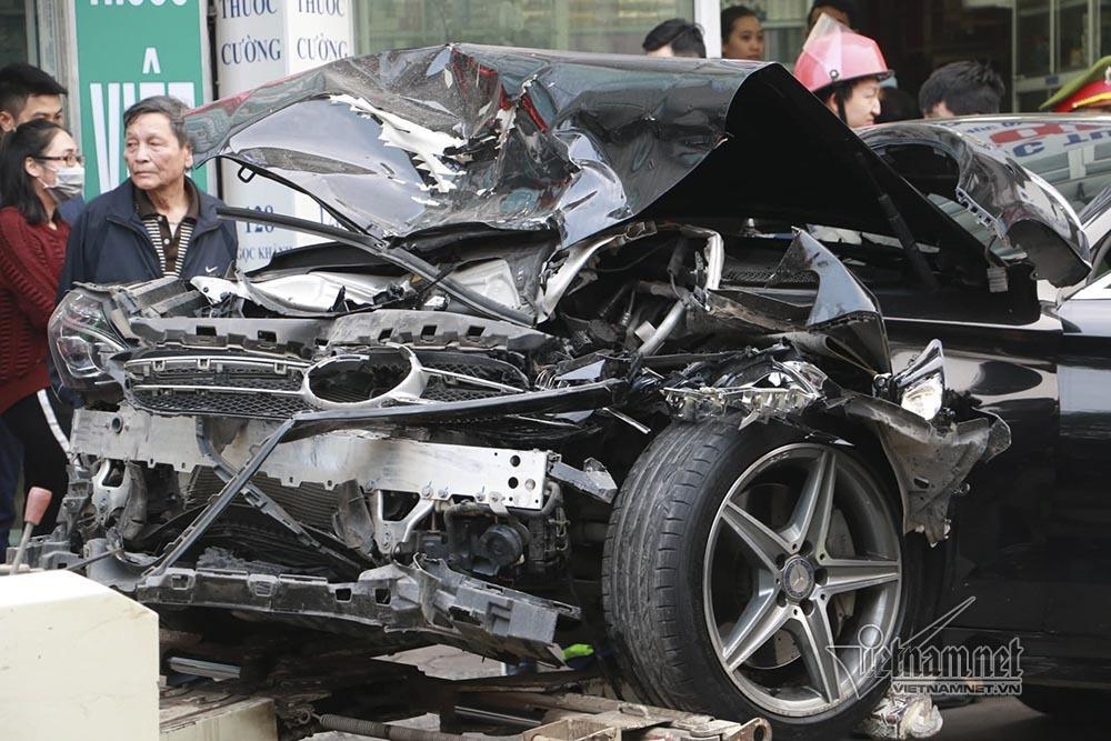 Ô tô đâm 5 xe trên phố Ngọc Khánh: Thai phụ nhảy bật trong tích tắc-7