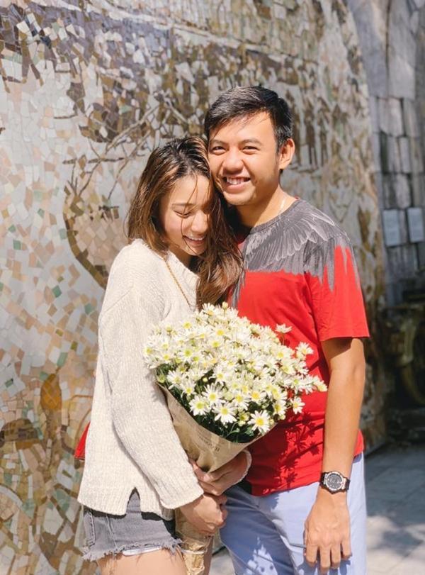 Không phải Hoàng Yến Chibi, bạn gái của tay vợt số 1 Việt Nam Lý Hoàng Nam là hotgirl bóng rổ, mặt xinh, cao 1m72-1