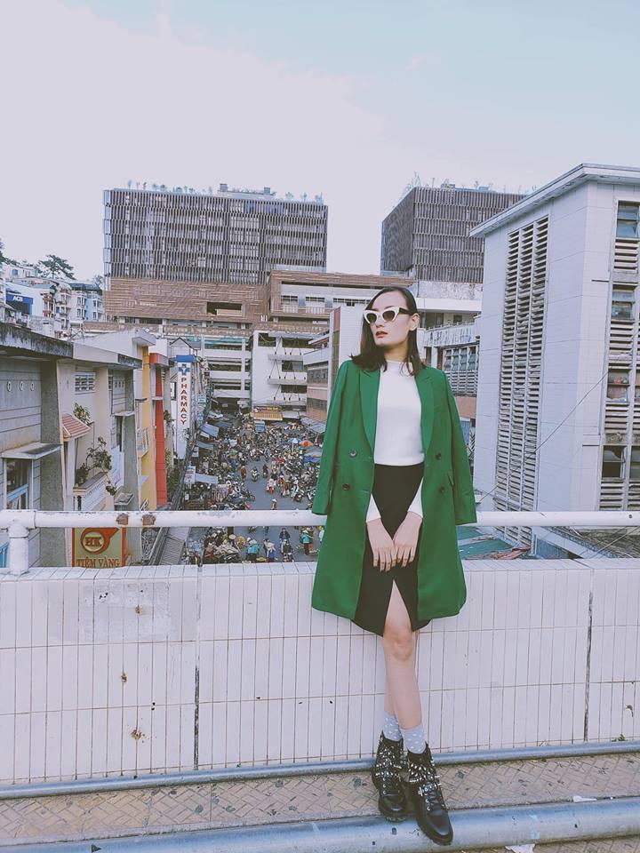 Hàng hiệu chất đầy nhà nhưng gái một con Diệp Lâm Anh chỉ thấy mình đẹp nhất khi mặc quần tụt-7