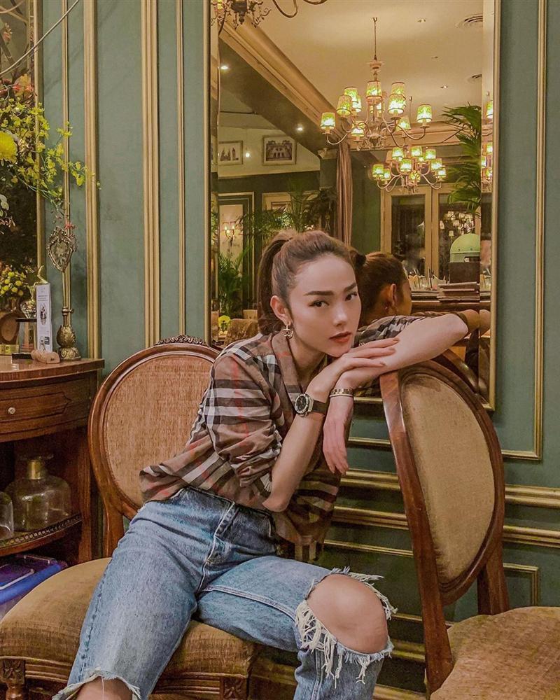 Hàng hiệu chất đầy nhà nhưng gái một con Diệp Lâm Anh chỉ thấy mình đẹp nhất khi mặc quần tụt-8