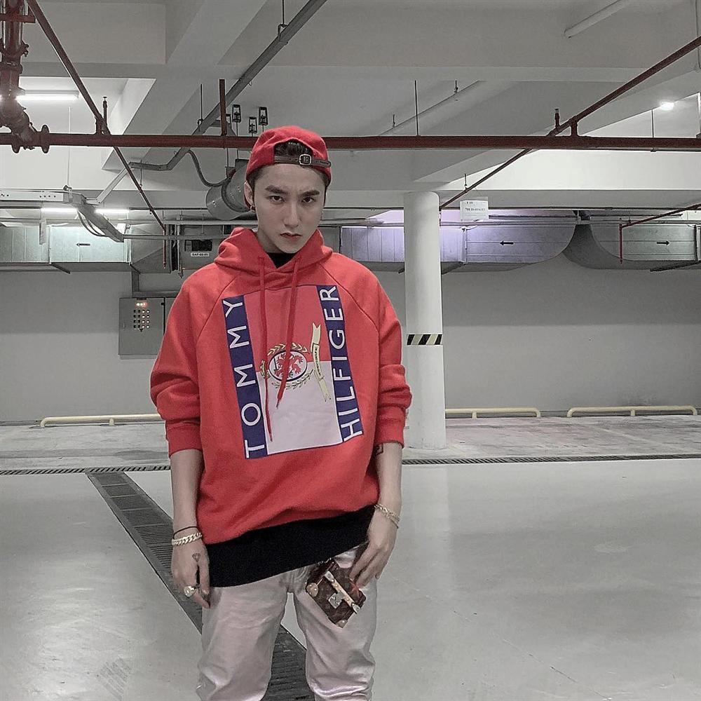 Sơn Tùng M-TP tích cực lăng xê áo hoodie phong cách streetwear-3