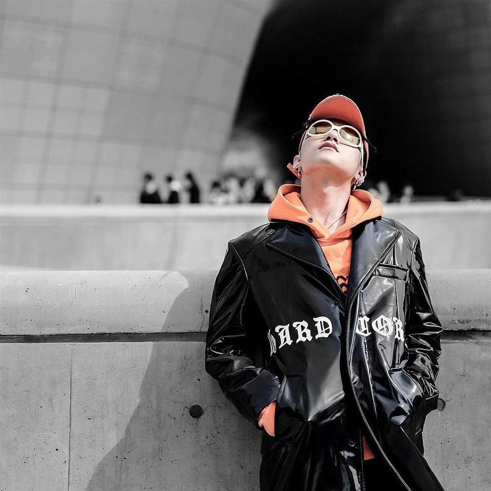 Sơn Tùng M-TP tích cực lăng xê áo hoodie phong cách streetwear-9