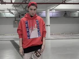 Sơn Tùng M-TP tích cực lăng xê áo hoodie phong cách streetwear