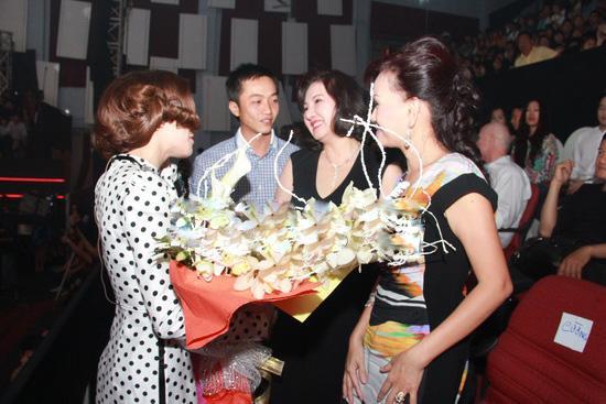 Nữ đại gia Nguyễn Thị Như Loan gây sốt với những lần hiếm hoi xuất hiện bên dâu cũ Hà Hồ và dâu mới Đàm Thu Trang-5