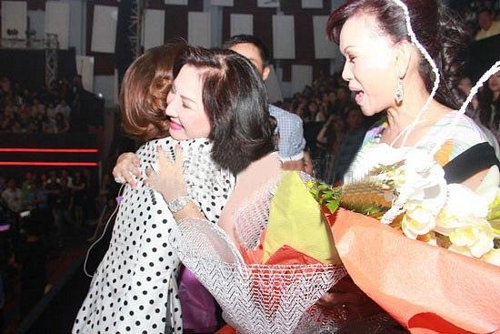 Nữ đại gia Nguyễn Thị Như Loan gây sốt với những lần hiếm hoi xuất hiện bên dâu cũ Hà Hồ và dâu mới Đàm Thu Trang-4