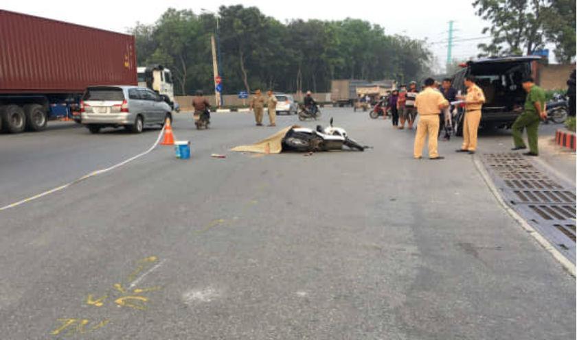 Truy đuổi xe container cán chết người phụ nữ rồi bỏ chạy-1
