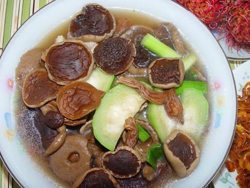 Canh nấm tràm, gỏi cá nghéo nổi tiếng ở Quảng Bình-4