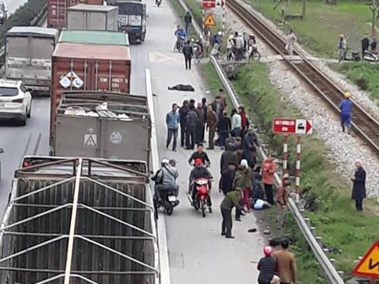 Hải Dương: Xe tải đâm đoàn đưa tang, 8 người chết