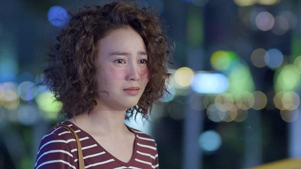 Lan Ngọc rớt nước mắt khi chứng kiến Bình An ôm Chi Pu trong tập 3 Mối Tình Đầu Của Tôi-2