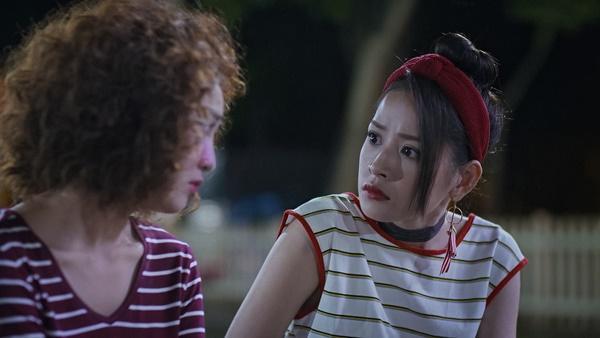 Lan Ngọc rớt nước mắt khi chứng kiến Bình An ôm Chi Pu trong tập 3 Mối Tình Đầu Của Tôi-3
