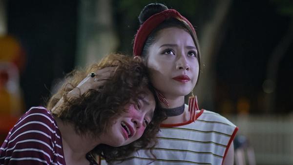 Lan Ngọc rớt nước mắt khi chứng kiến Bình An ôm Chi Pu trong tập 3 Mối Tình Đầu Của Tôi-4