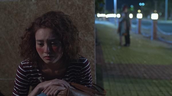 Lan Ngọc rớt nước mắt khi chứng kiến Bình An ôm Chi Pu trong tập 3 Mối Tình Đầu Của Tôi-9