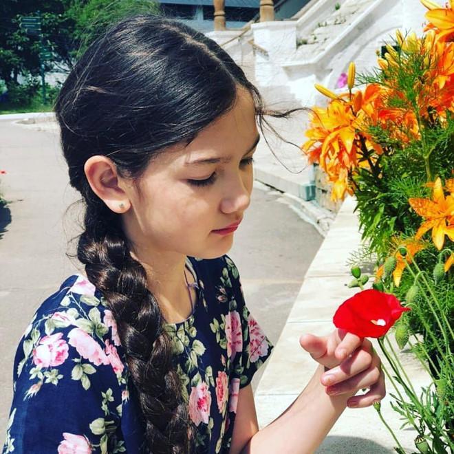 Văn Lâm cản phá thành công cú sút trên chấm luân lưu và đây là cách ăn mừng cực ngầu của cô em gái 12 tuổi-1