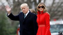 Vợ chồng Tổng thống Mỹ Donald Trump cùng nhận đề cử Mâm xôi vàng