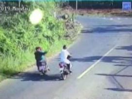 Truy đuổi 2 tên trộm gà, công an xã bị bắn mù mắt