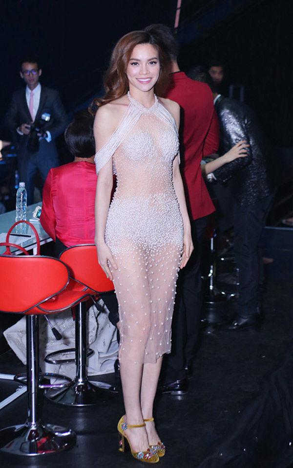 Không phải Mai Phương Thúy, Hà Hồ - Angela Phương Trinh mới là nữ hoàng mặc đồ nude mà ngỡ như khỏa thân-10