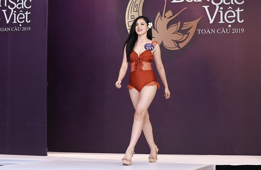 Ghi danh Hoa hậu Bản sắc Việt 2019, bạn gái Trọng Đại U23 bất ngờ bị đào mộ quá khứ thi sắc đẹp vì mê tiền-2