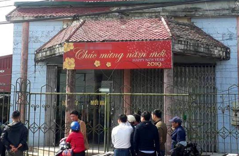 Cướp ngân hàng ở Thái Bình: Xịt hơi cay nhân viên, chém trưởng thôn-1