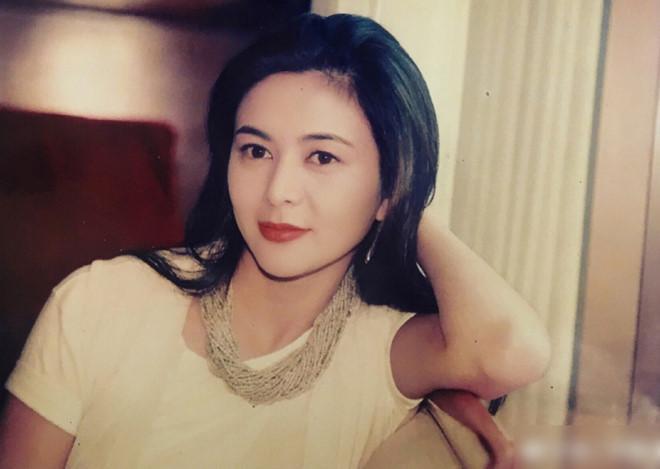 Nhan sắc minh tinh tuổi U60 được bầu chọn đẹp nhất Trung Quốc-2