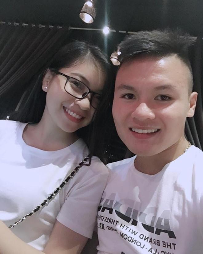 Trước nghi vấn chia tay, bạn gái bất ngờ làm hành động lạ với Quang Hải-3