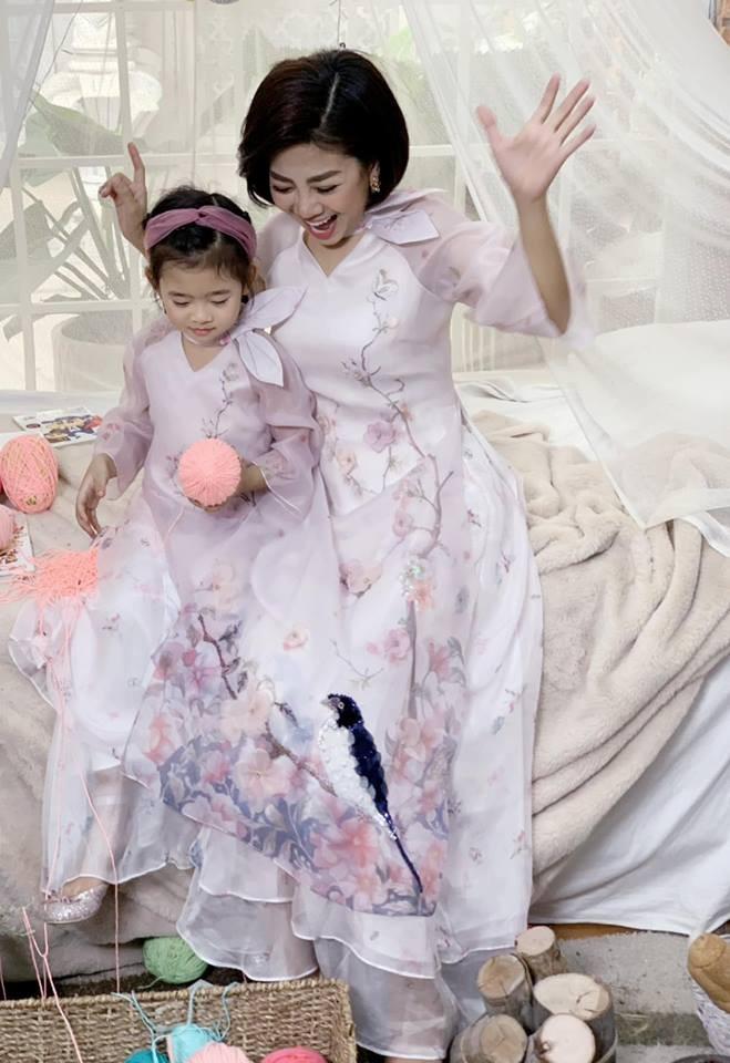 Hàng loạt mỹ nhân lên đồ với áo dài cách tân: Mai Phương và Bích Phương dịu dàng; Ngô Thanh Vân, Quỳnh Chi ma mị-3
