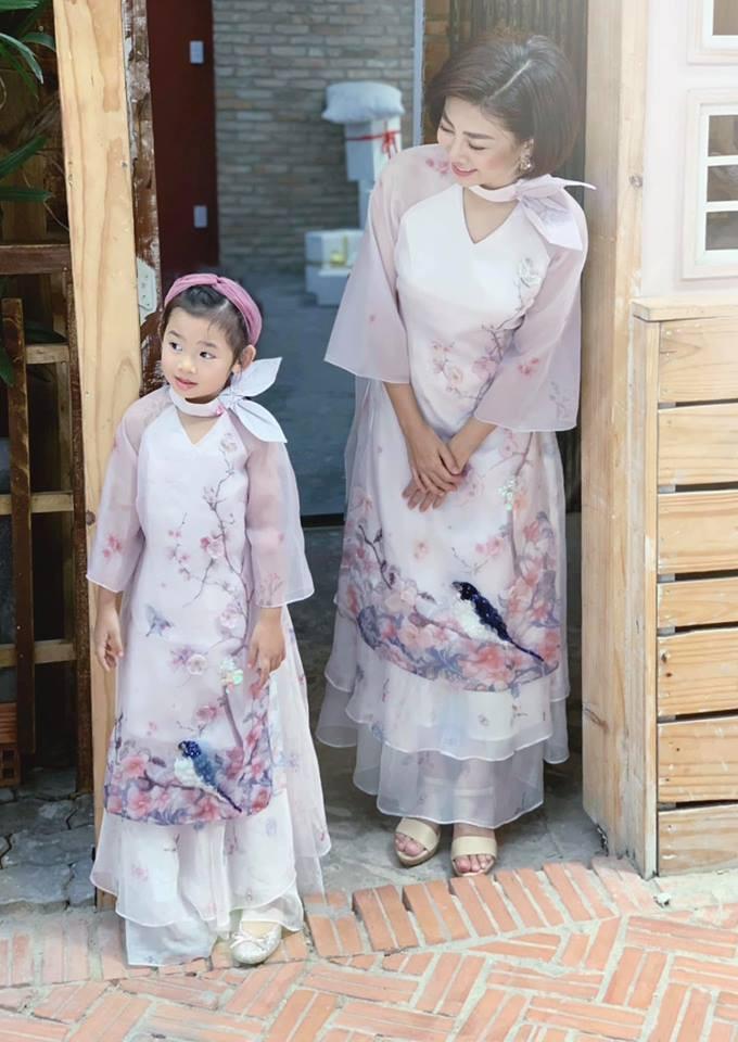 Hàng loạt mỹ nhân lên đồ với áo dài cách tân: Mai Phương và Bích Phương dịu dàng; Ngô Thanh Vân, Quỳnh Chi ma mị-4