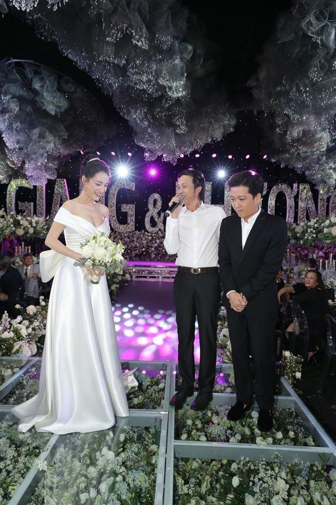 Lần thứ 2 đụng hàng với Nhã Phương, Hari Won mặc luôn váy cưới của vợ Trường Giang lên thảm đỏ-7