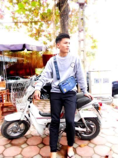 Anh trai Quang Hải có vẻ ngoài nam tính, làm thợ xăm ở Hà Nội-3