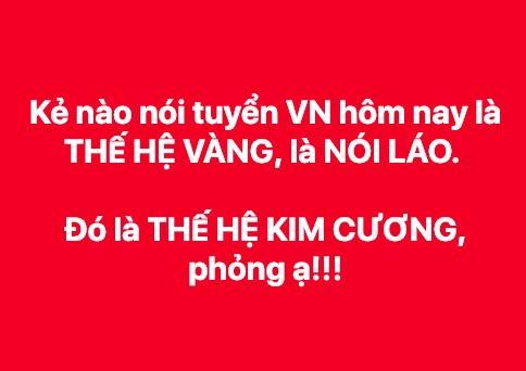 Tuyển Việt Nam dừng chân ở tứ kết, nam thanh niên trùm Quốc kỳ khóc thâu đêm ngoài trời lạnh-7