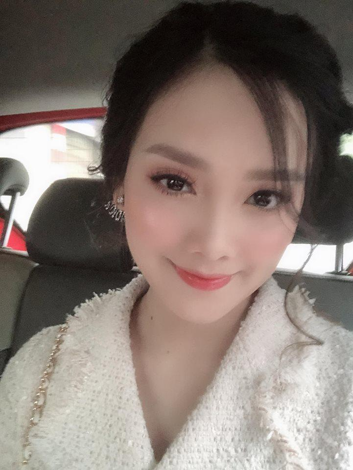 Top 10 Hoa hậu Việt Nam Tố Như khoe bụng bầu vượt mặt, khóa môi ông xã hotboy ngọt ngào-3
