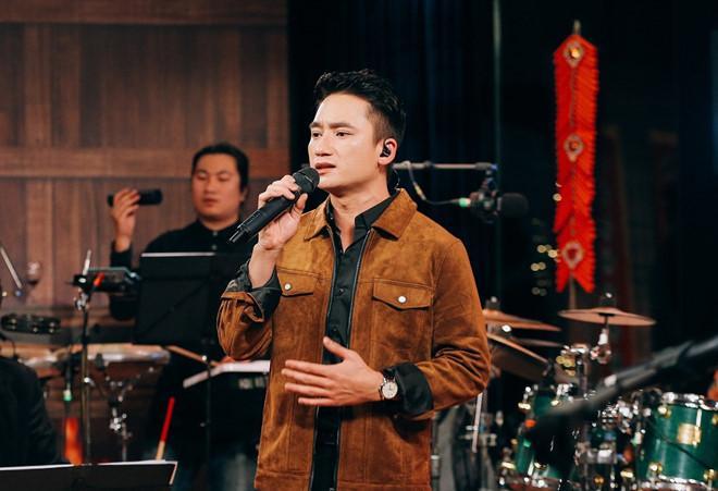 Phan Mạnh Quỳnh: Tôi sợ và muốn mọi người quên đi 'Vợ người ta'-1