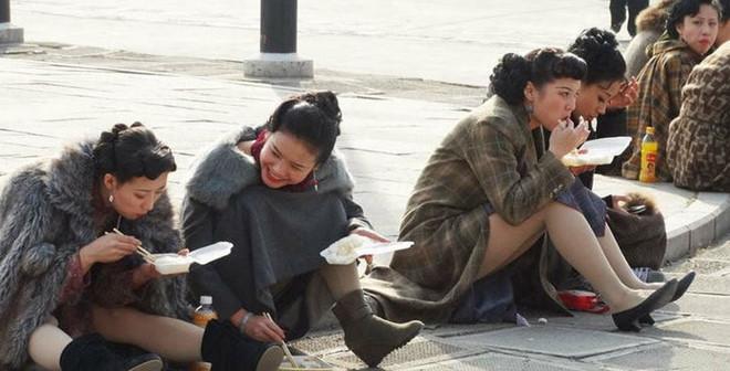 Cảnh tủi nhục, lương bèo bọt của diễn viên quần chúng ở Trung Quốc-5