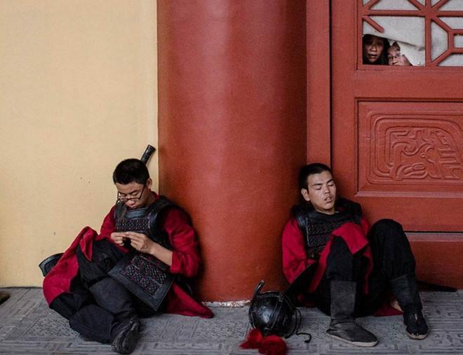 Cảnh tủi nhục, lương bèo bọt của diễn viên quần chúng ở Trung Quốc-9