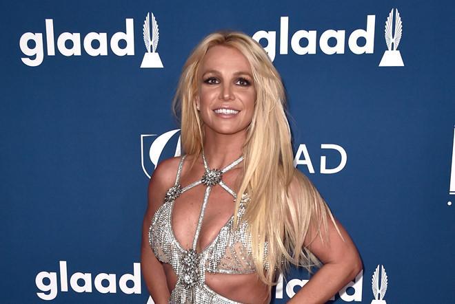 Britney Spears xuống sắc, Celine Dion gầy trơ xương sau 20 năm-2